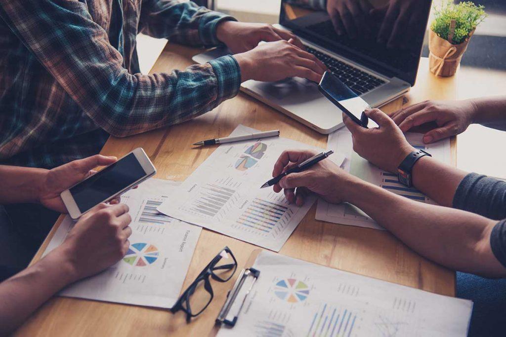 team-business-job-working-with-laptop-open-office-meeting-report-progress